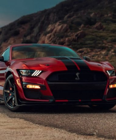 2020-ford-mustang-shelby-gt500-1-768x540