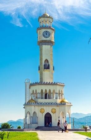 Saat-Kulesi-Batum