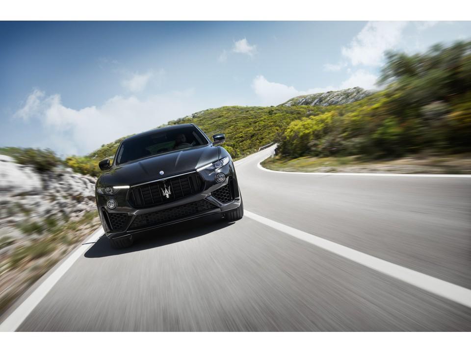 2020_Maserati_Levante_6