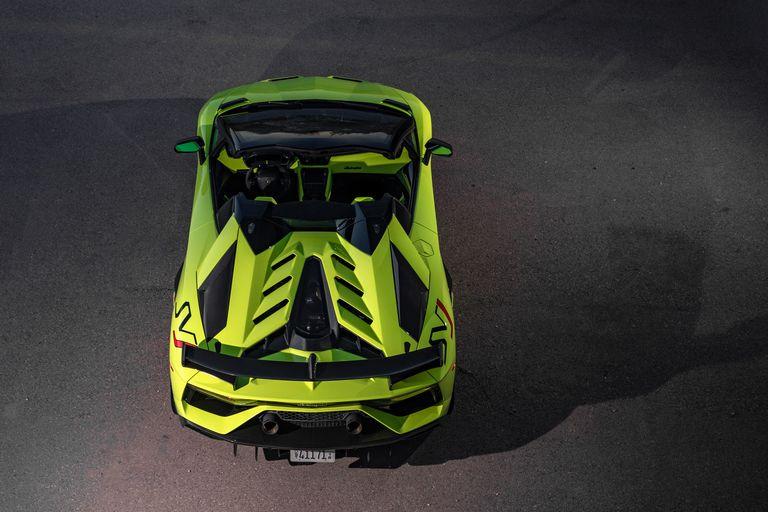 2020-lamborghini-aventador-svj-roadster-drive-131-1576871379