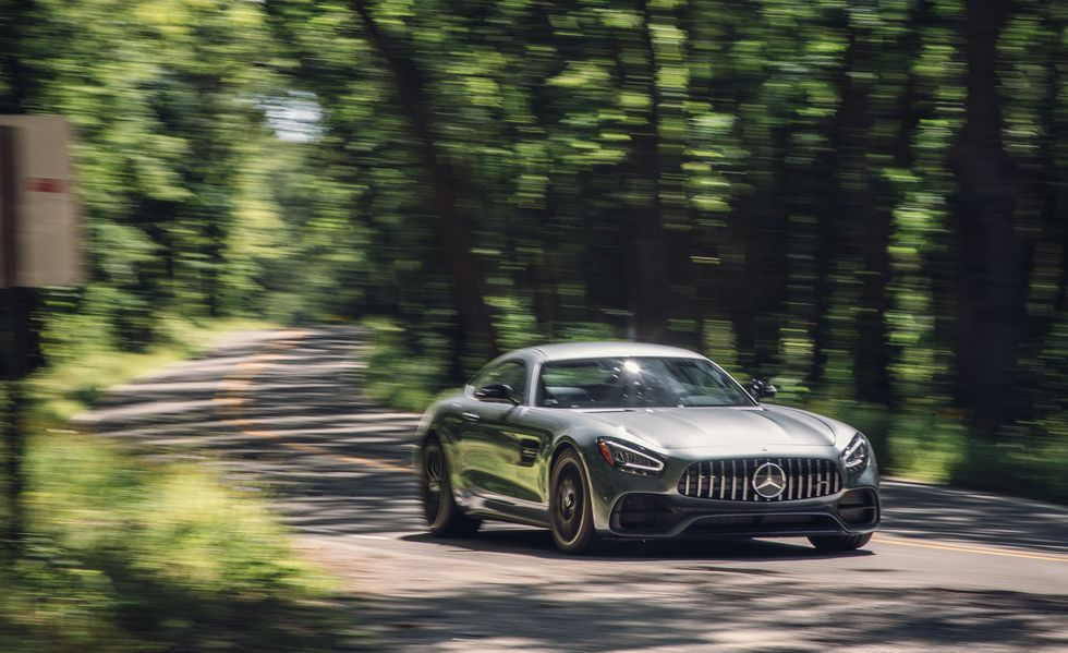 2020-mercedes-amg-gt-coupe-541-1581445298